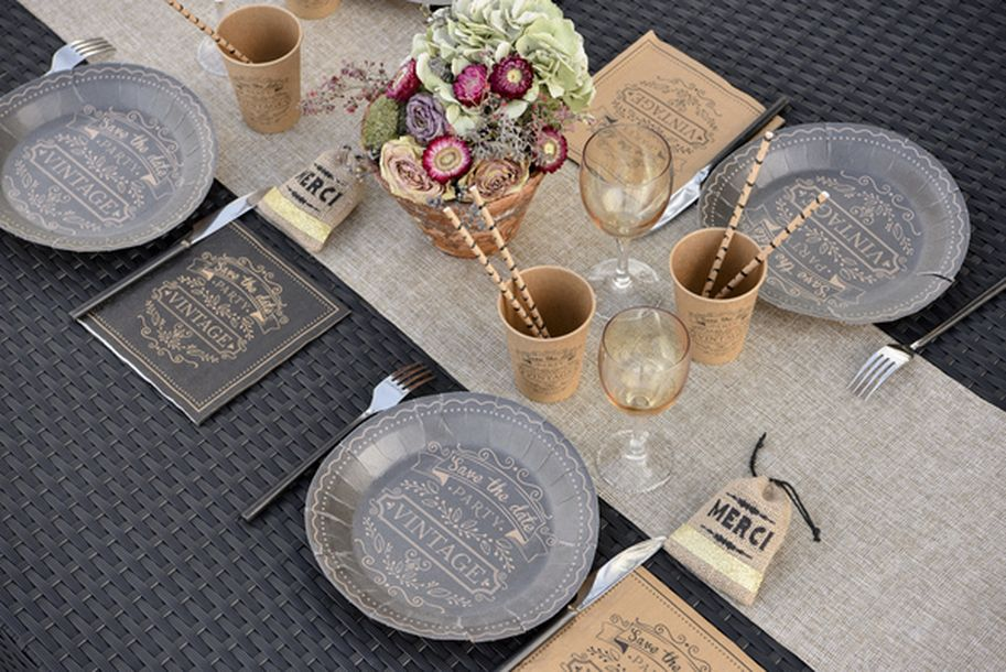 achat 10 assiettes en carton vintage noires mariage anniversaire 1001 deco table. Black Bedroom Furniture Sets. Home Design Ideas