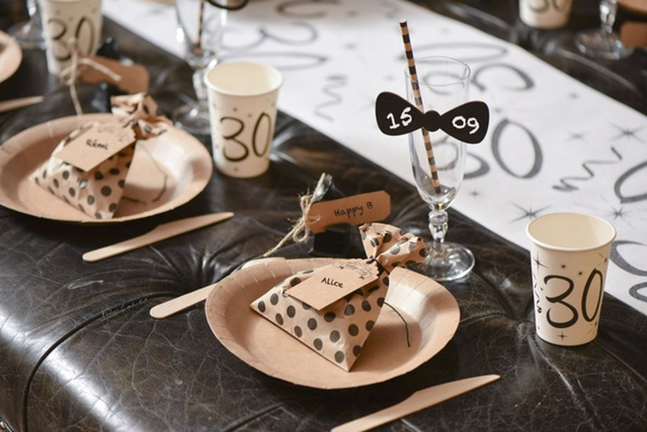 vente 10 gobelets anniversaire 18ans mariage anniversaire 1001 deco table. Black Bedroom Furniture Sets. Home Design Ideas