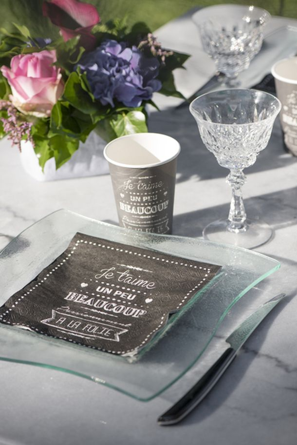 acheter 10 gobelets mariage noirs d cor je t 39 aime mariage anniversaire 1001 deco table. Black Bedroom Furniture Sets. Home Design Ideas