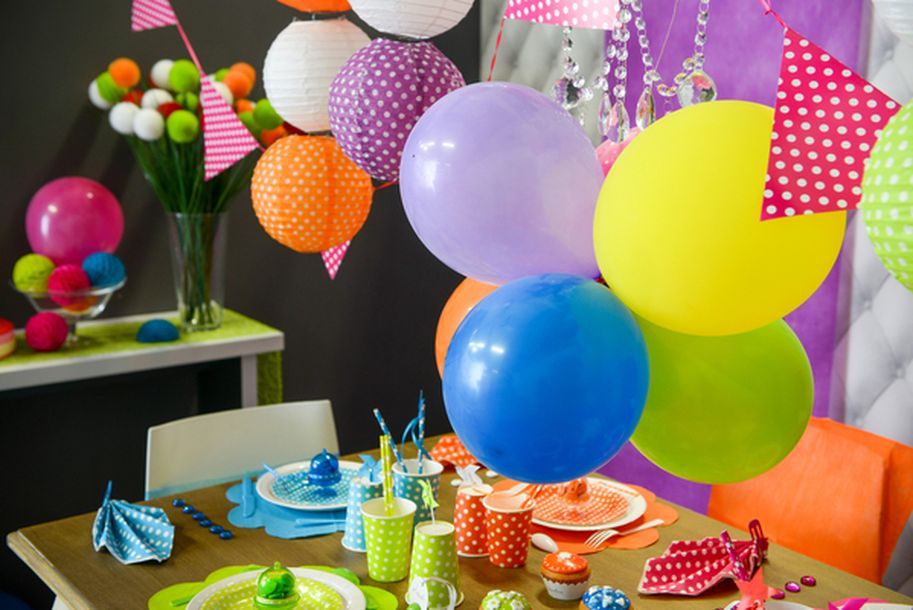 Achat gobelet joyeux anniversaire festif mariage - Bombas para decorar ...