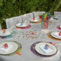 Id es de d coration de table pour un bapt me multicolore - Idee deco table bapteme ...