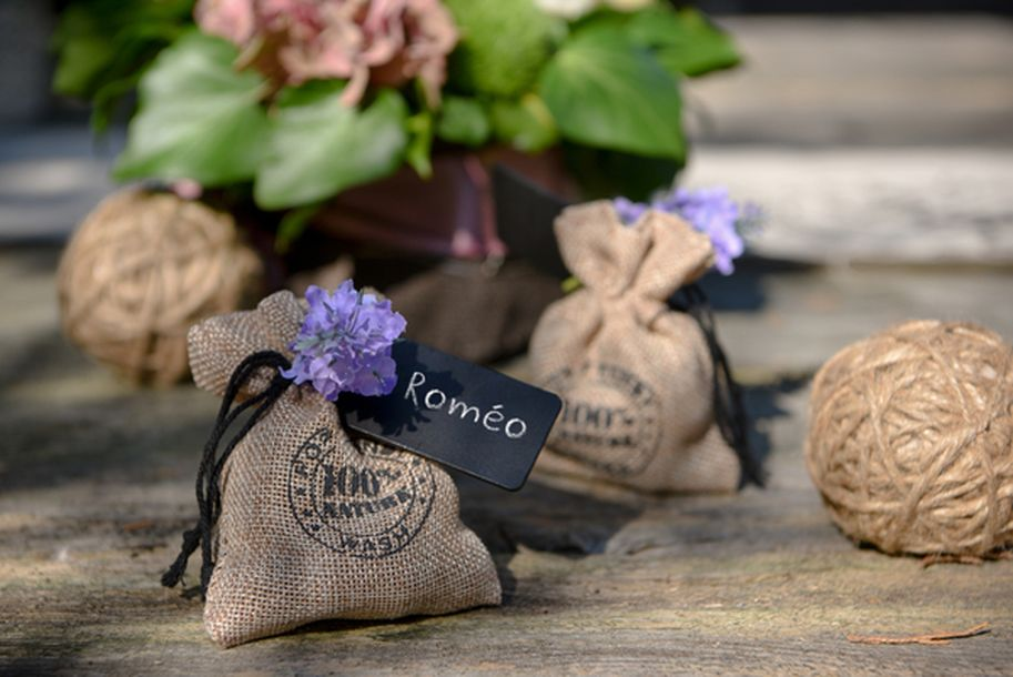 acheter mini bouquet de fleurs 3 brins de lavande d coration de table 1001 deco table. Black Bedroom Furniture Sets. Home Design Ideas