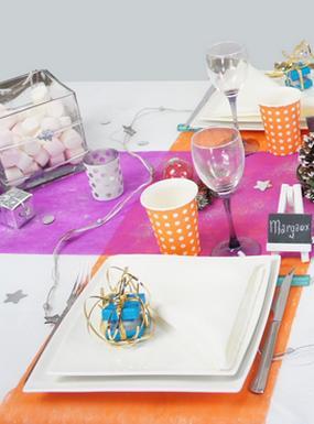 deco de table de fêtes multicolore, mariage, anniversaire, bapteme.