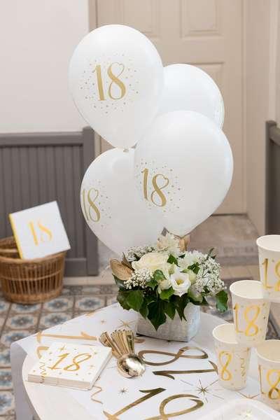 Decoration De Salle Anniversaire Ballons Latex 18 Ans Blanc Et Or