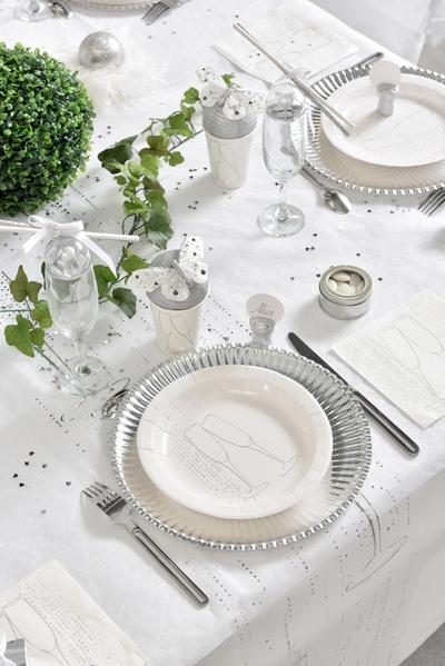 deco de table mariage blanc et argent motifs champagne.
