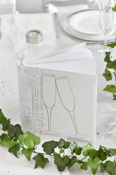 livre d'or mariage blanc et decor champagne - 1001 deco table