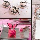 Papillon rose, rubans et autres objets de décoration de table pour mariage, bapteme, anniversaire.