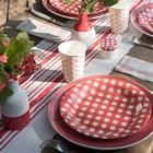 Déco de table champêtre et vichy rouge.