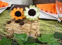 Mini botte de paille et décoration florale pour votre table aux couleurs de l 'automne