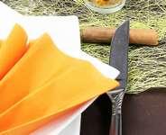 Chemin de table abacca et serviettes papier couleurs d'automne.