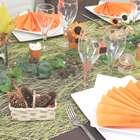 Superbe table aux couleurs de l'automne pour votre repas entre amis.