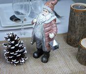 figurine pere noel pour decoration de table.